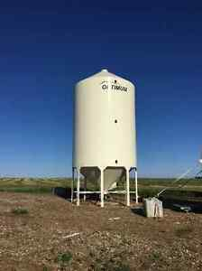 Optimum smooth wall grain/ fertilizer bins