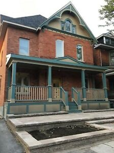 Newer 2 Bedroom, 1 Bath in the heart of Centretown