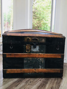 Antique 1800s Large Dome-Top Steamer Trunk with original inserts