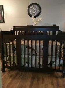 Convertible Crib with Matress
