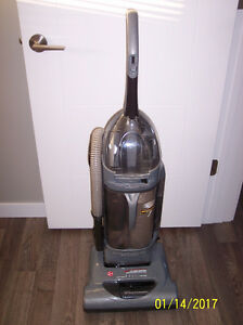 Hoover Windtunnel Bagless Vacuum