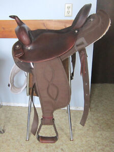 "Lightweight 16"" FQHB Big Horn saddle / Pouce Coupe"