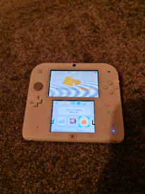 2DS RED AND WHITE