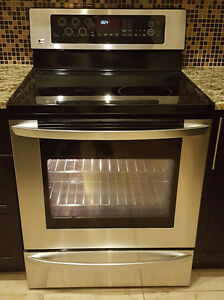 Stainless Steel LG Range / True Convection Oven / Self Clean
