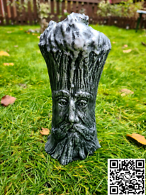 Solid Concrete Tree Stump Face Ornament