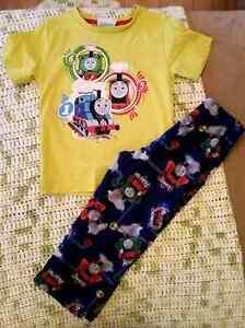 Lot de pyjama  West Island Greater Montréal image 1