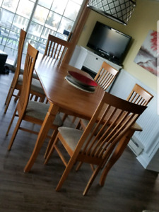 Canadian made solid wood table & 6 chairs