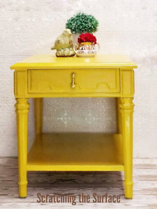 Bright Side Table