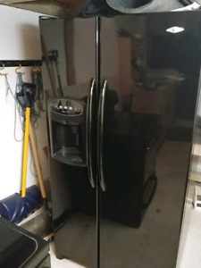 Maytag refrigerator with water dispenser