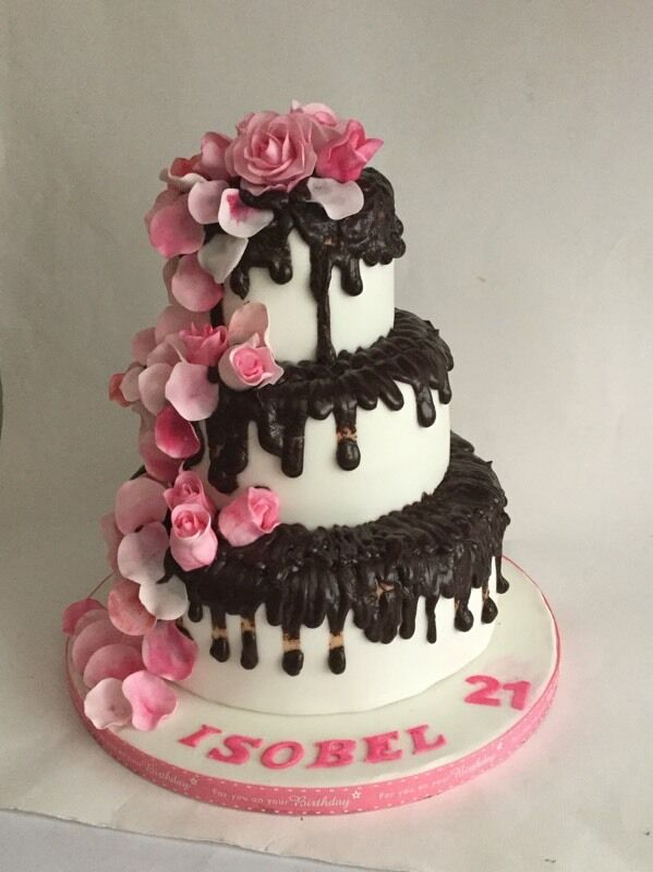 Birthday Cakes, Baby Showers Cakes, Cupcakes, Bespoke Cakes for any occasion