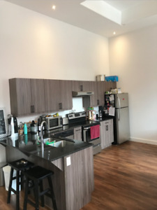 Amazing 2 bedroom Uptown in The Urban Warehouse on Princess!