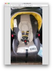 Graco Snug Ride 35 LX infant car seat and base
