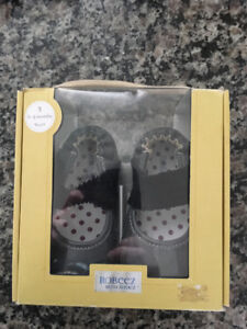 New - Robeez Mini Shoes (Indoor/Outdoor)