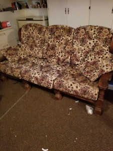 Antique couch - solid oak construction