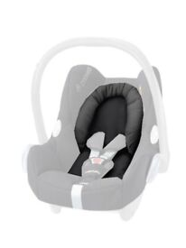 Maxi Cosi head support and wedge.
