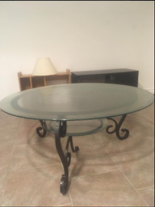 glass living room table good condition
