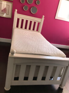 Twin bed with mattress and Pottery Barn 3pc quilt