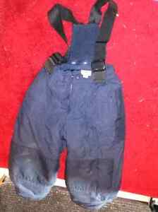 Size 4 snow pants. Good condition