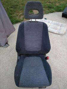 1999 Acura integra front and rear seats
