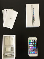 White iPhone 5,16gb Good Condition. Locked to Bell/Virgin