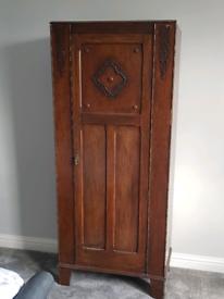 Antique Single Oak Wardrobe / Cupboard