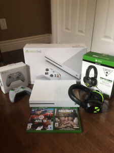 XBOX ONE game console with headset