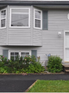 BEAUTIFUL COLE HARBOUR SEMI FOR RENT