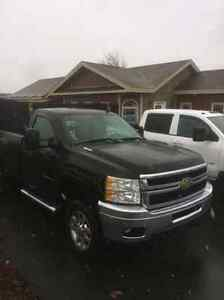 2011 Chevy Silverado 3500 with 8.5ft plow and inspection  St. John's Newfoundland image 3