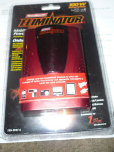 MOTOTMASTER 100 W MOBILE POWER OUTLET  INVERTER W USB  NEW