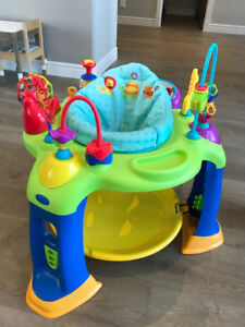 Exersaucer / Activity table