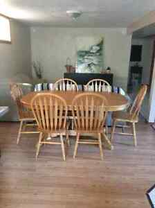 Hardwood Dining Table for 6 (Expands to 8) Cambridge Kitchener Area image 1
