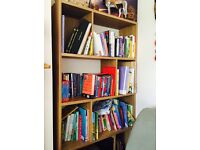 Great design, Solid Oak Bookshelf in Mint condition!