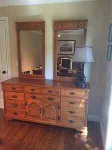 Roxton solid maple bedroom set