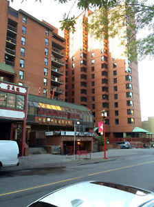 Convenient Apartment (w.Balcony) in Chinatown, downtown for rent