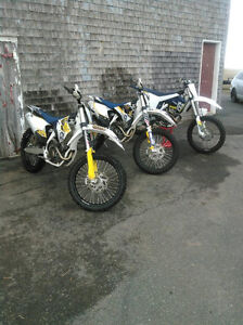 3 Huskavarna Dirt bikes MINT 2 FC 250s and 1 FC 350!!