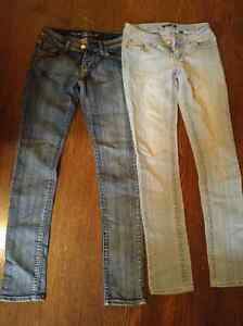 6 pairs of womens jeans. Sizes 3-5