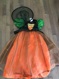 Girls witch costume size small (fit about a 5 year old)