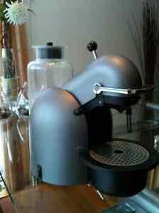 Cafetière Nespresso C190 Titanium