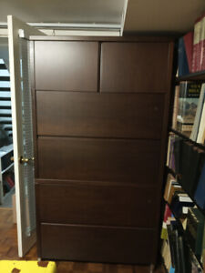 Tall four drawer unit. 5 feet 7 inches tall. Excellent buy