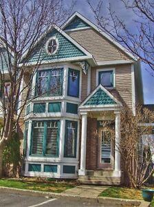 Boucherville Maison à Louer/Boucherville Townhouse For Rent
