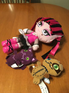 Monster high draculaura rag doll with pets