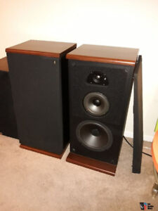Acoustic Research TSW 510 Speakers vintage