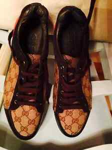 AUTHENTIC GUCCI SHOES - Size 9.5 - MINT CONDITION