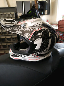 Carbon fibre snowmobile helmet