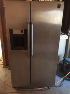 Frigidaire fridge & freezer - double door: $450