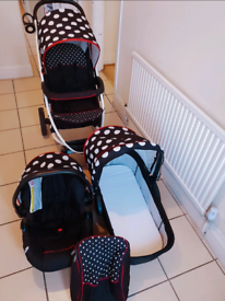 Baby push chair, buggy, car seat and travel bag all in good condition