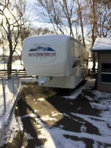 2006 34' Heartland Bighorn 3400RL Holiday Trailer