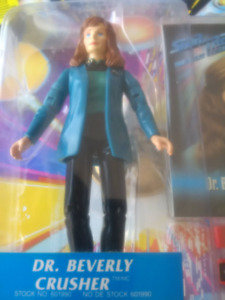 1994 STAR TREK THE NEXT GENERATION DR. BEVERLY CRUSHER ACTION