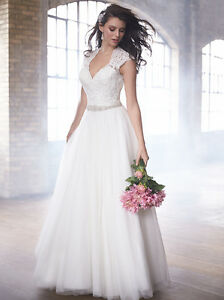 Stunning Wedding Dress - New with Tags