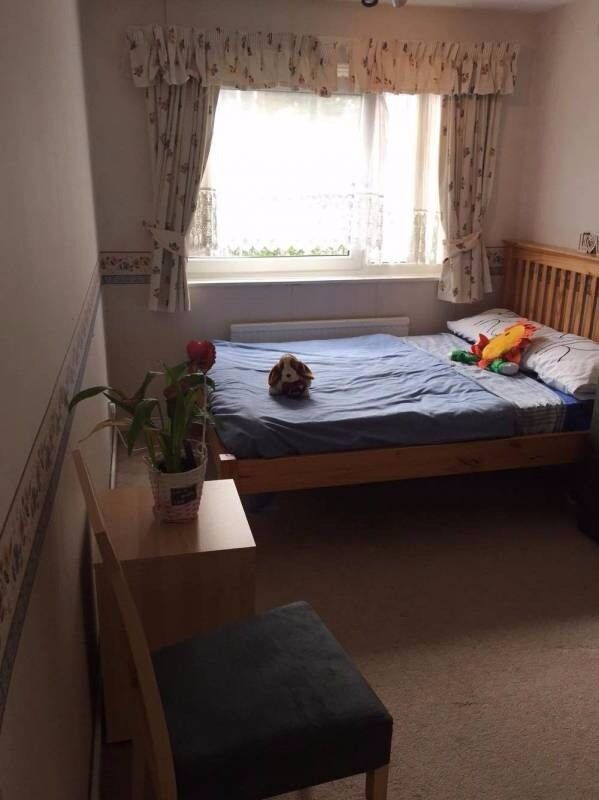 Big double room close to Stratford St. All incl.
